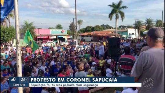 Moradores de Coronel Sapucaia fazem protesto pedindo segurança na fronteira com o Paraguai