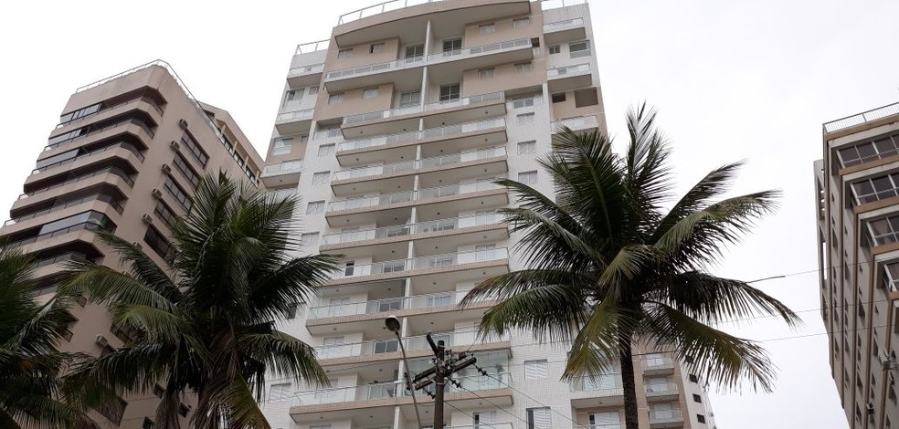 Condomínio Solaris, em Guarujá, SP, onde localiza-se triplex atribuído a Lula — Foto: João Amaro/G1