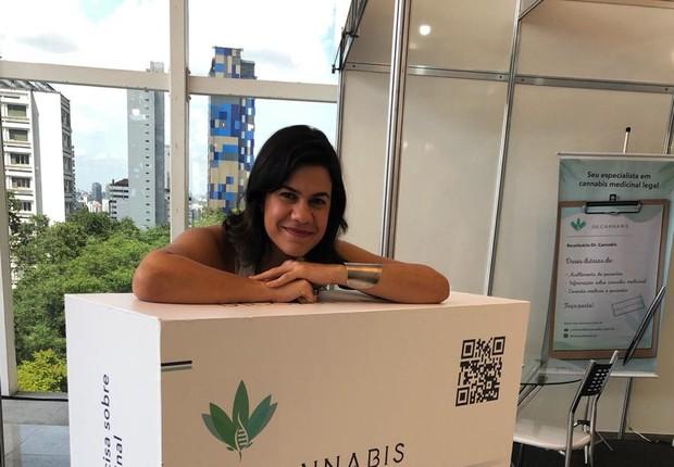 Viviane Sedola, fundadora da Dr. Cannabis, aposta no conhecimento para quebrar preconceito da população (Foto: Divulgação)