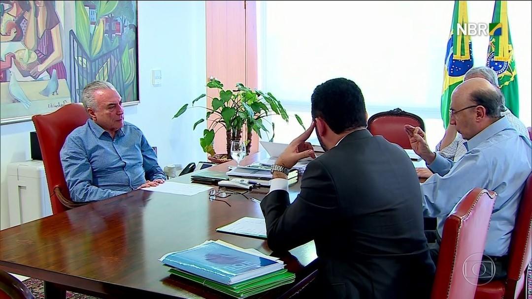 Resultado de imagem para Temer e ministros discutem novas concessões para reforçar caixa do governo