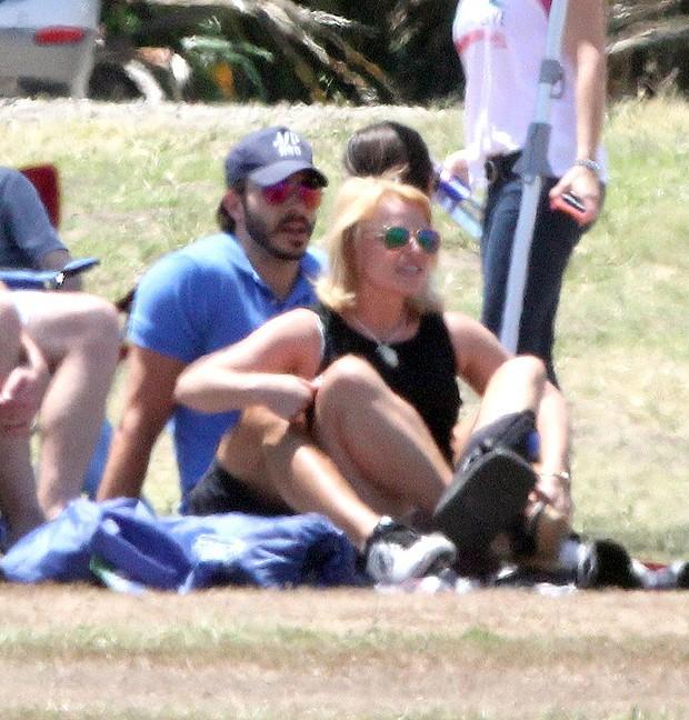 Britney Spears termina namoro com Charlie Ebersol, diz site - Quem | Popquem