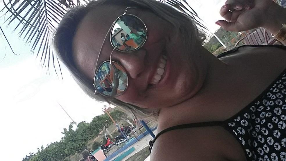 Alexandra Maria de Morais, de 39 anos, foi morta em Antônio Martins, no RN (Foto: Reprodução/Facebook)