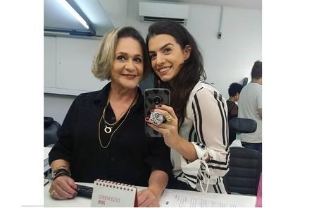 As duas nos bastidores do programa do Ronnie Von Reprodução/Instagram