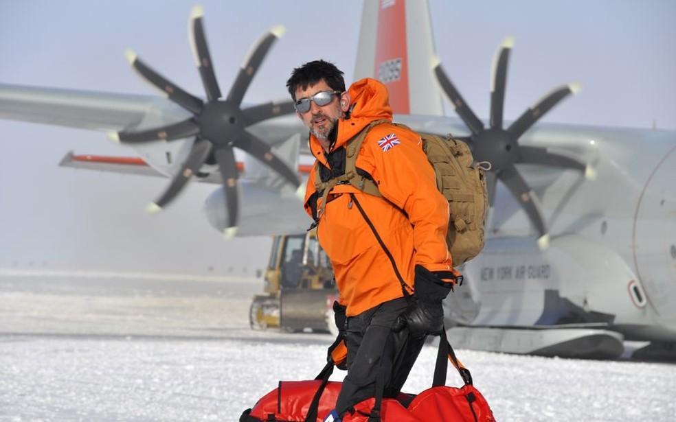 Pesquisador inglês visita a geleira Thwaites, na Antártica — Foto: BBC