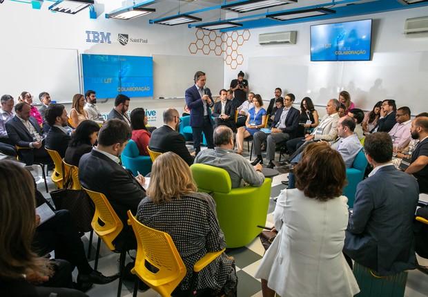 José Claudio Securato, CEO da Saint Paul Escola de Negócios, durante a apresentação da Innovation Hive (Foto: Divulgação)