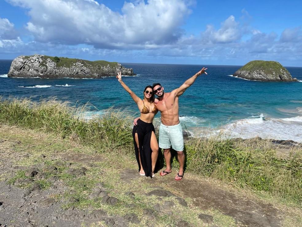 Ivy Moraes beija muito o namorado em Fernando de Noronha e declara: 'Está sendo um sonho' — Foto: Divulgação