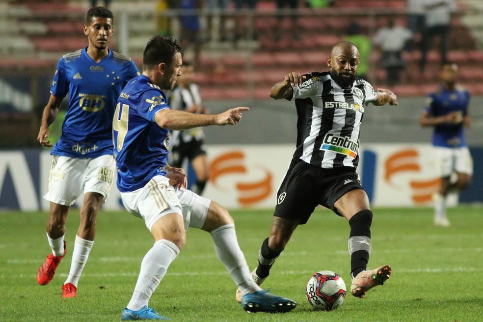 Chay esteve apagado no 0 a 0 com o Cruzeiro — Foto: Fernando Moreno/AGIF