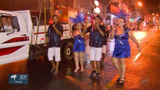 Carnaval em Taquaritinga, SP, tem folia de blocos e escolas de samba; FOTOS