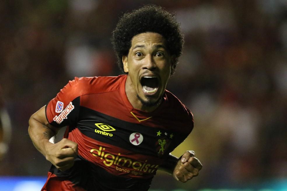 Hernane Brocador marcou 14 gols pelo Sport nesta temporada — Foto: Marlon Costa / Pernambuco Press