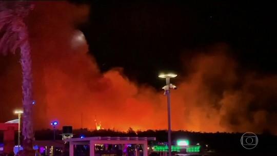 Calor ajuda a espalhar focos de incêndio no Sul da Europa