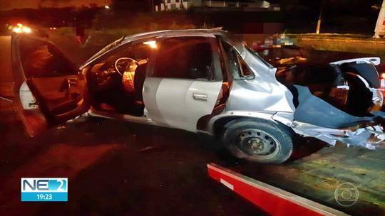 Câmera mostra colisão entre carros que deixou três mortos na BR-232; veja vídeo