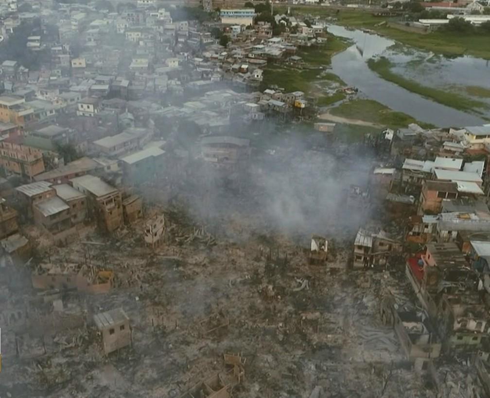 Ainda era possível ver focos por volta de 6h30 desta terça-feira (18) — Foto: Michel Castro/Rede Amazônica