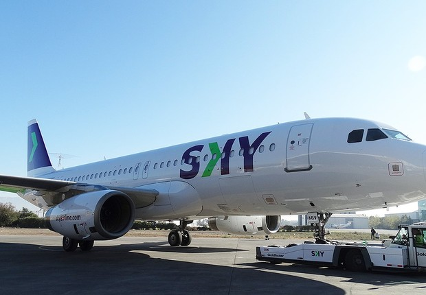 A companhia aérea chilena Sky Airline é considerada low cost (Foto: Divulgação)
