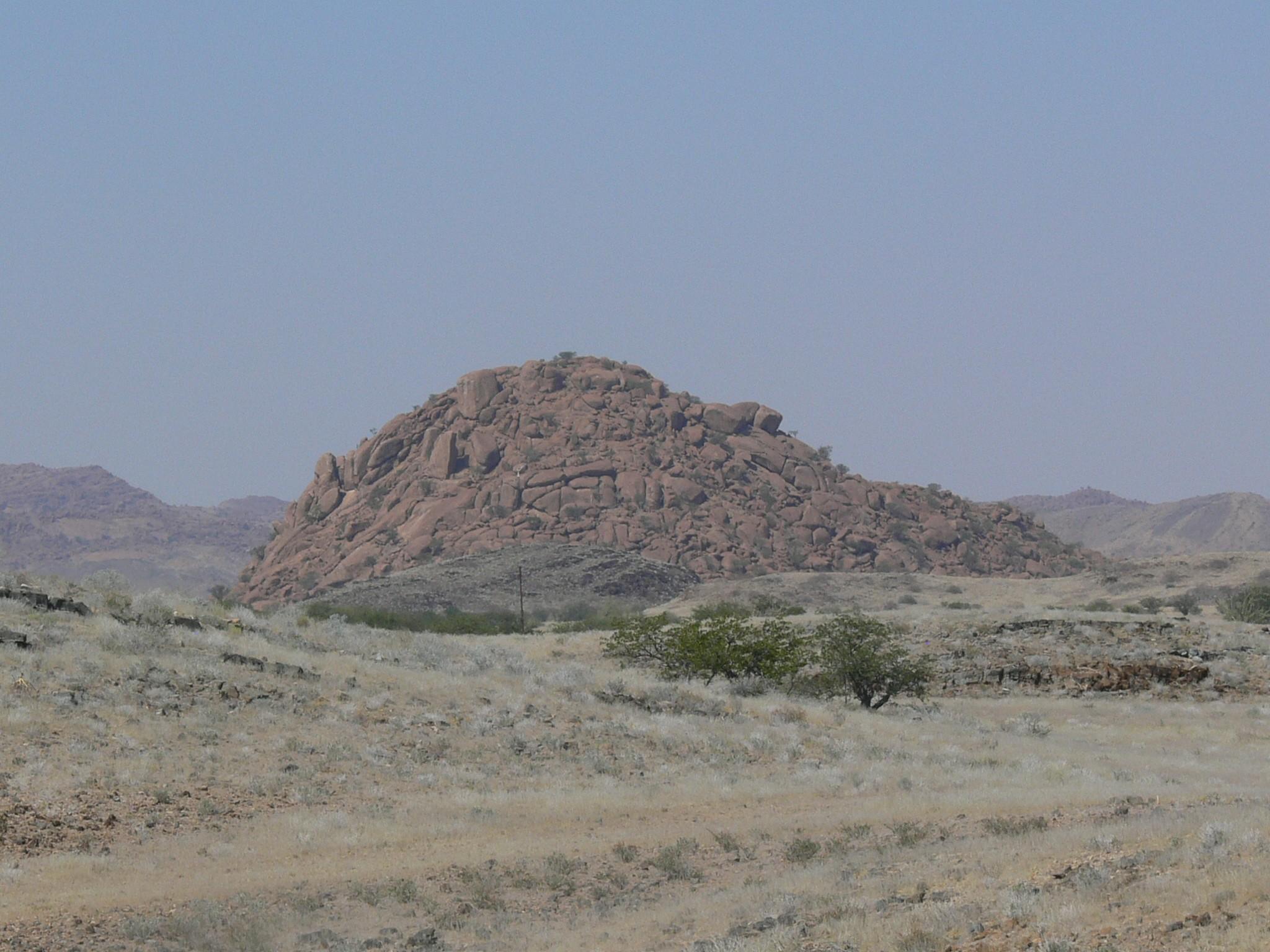 Formação rochosa descoberta na Namíbia (Foto: West Virginia University/ Divulgação)