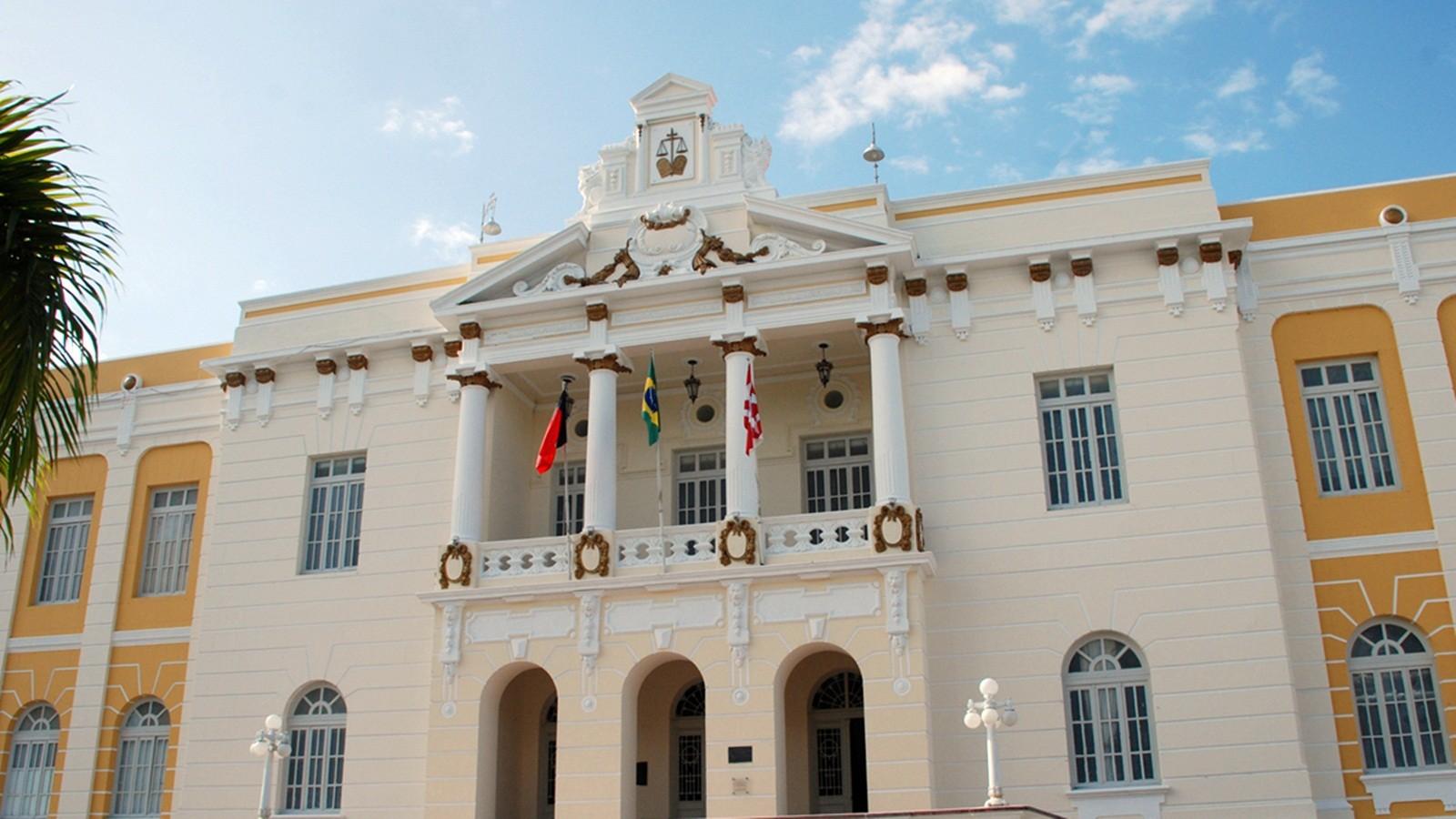 Homem é condenado a mais de 12 anos de prisão por estuprar enteada, em Campina Grande - Notícias - Plantão Diário