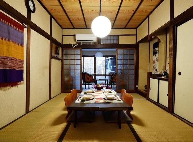 Casa de Tatami, Osaka, Japão (Foto: Airbnb/Reprodução)