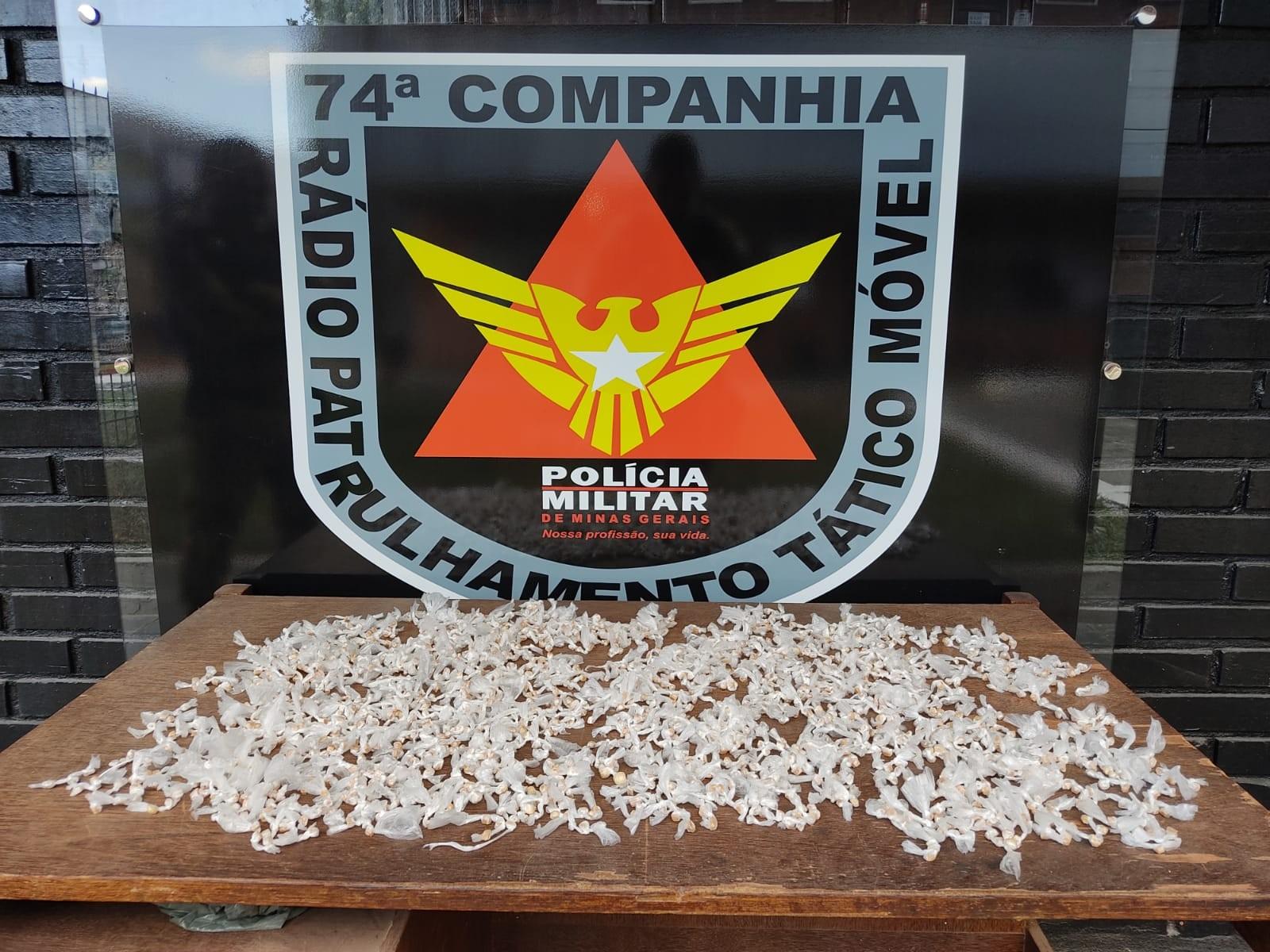 Polícia Militar apreende 2.250 pedras de crack em Teófilo Otoni