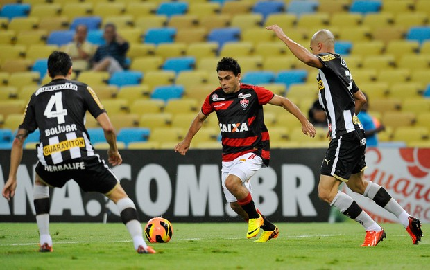 Maxi Biancucchi Vitória x Botafogo (Foto: Dhavid Normando / Futura Press)