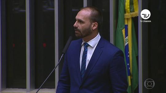Desistência de Eduardo Bolsonaro faz de Nestor Forster o provável embaixador em Washington