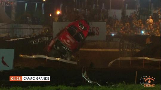 Ator Caio Castro sofre acidente na abertura do Rally dos Sertões em Campo Grande