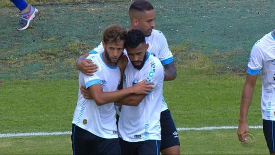 """Artilheiro, Capixaba faz quase um gol por jogo e conquista Grêmio para negociar """"fico"""""""