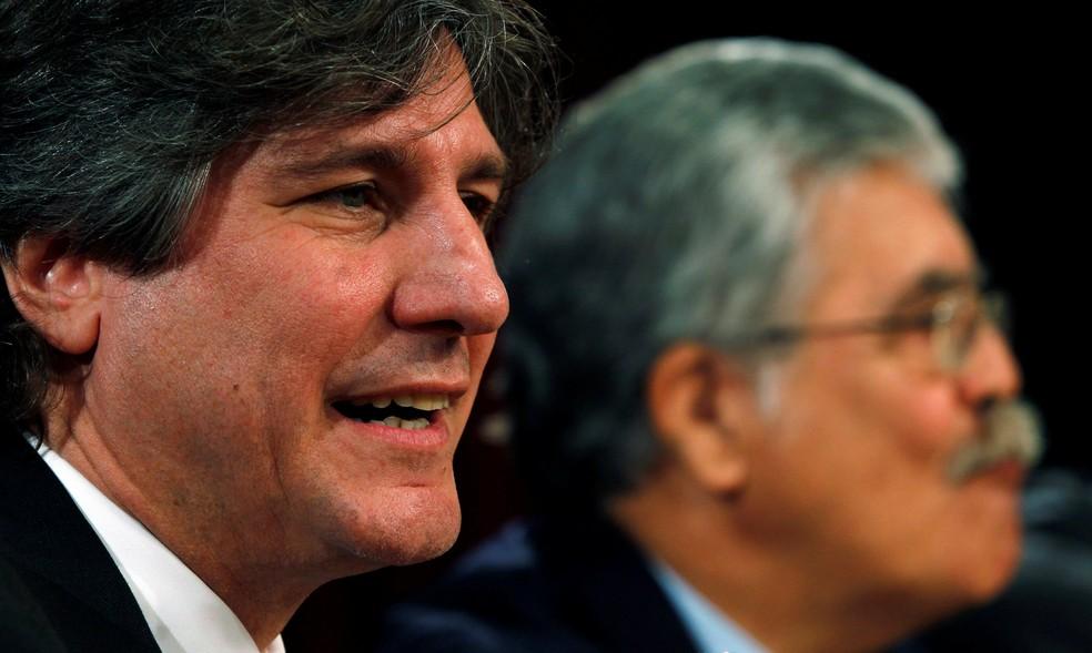 Amado Boudou, ex-vice-presidente da Argentina, em coletiva de imprensa junto com o ministro da Infraestrutura Julio De Vido (Foto: Marcos Brindicci/Reuters/File Photo)