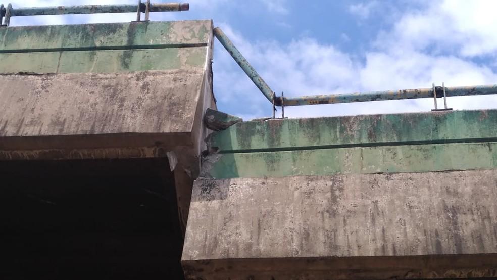 Viaduto da Marginal Pinheiros sobre linha da CPTM cede próximo à Ponte do Jaguaré — Foto: Abraão Cruz/TV Globo