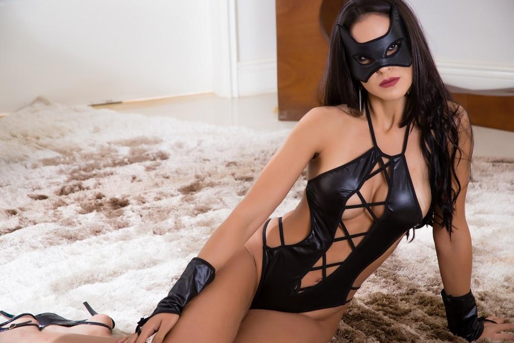 Modelos ousado de confecção de lingerie em Juruaia (MG) fazem sucesso entre mulheres (Foto: Divulgação/Garota Veneno)