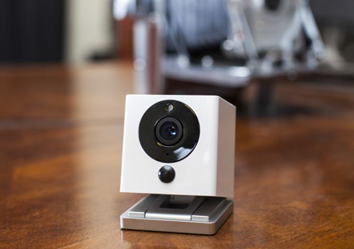 Câmera inteligente detecta áudio, movimento e fumaça e avisa dono por meio de app (Foto: Divulgação)