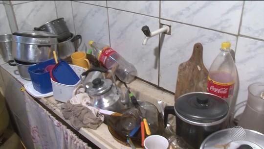 Moradores dizem que estão sem água há um mês e recebendo contas antecipadas em Feira de Santana, na BA: 'Absurdo'