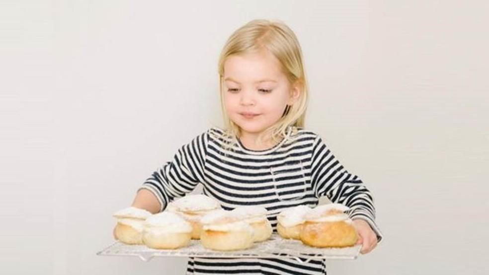 Os desejos por comida podem ser causados pela tensão entre desejar comer e querer controlar a ingestão de alimentos — Foto: Getty Images