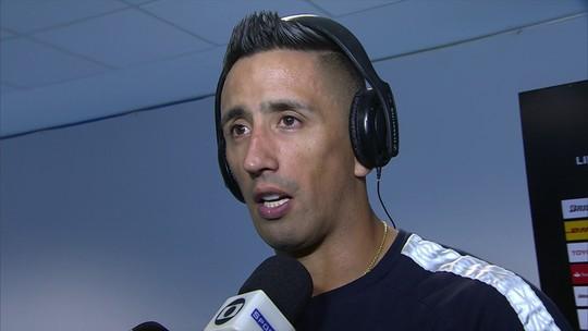 Barrios reconhece dificuldade contra o Botafogo e nega falta no lance do gol