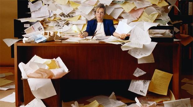 Não é só a papelada que atrapalha a saúde de um escritório  (Foto: Divulgação)