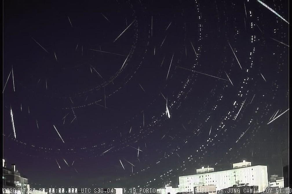 Câmera instalada no bairro Petrópolis, em Porto Alegre, registrou 88 meteoros — Foto: Divulgação/Observatório Espacial Heller & Jung