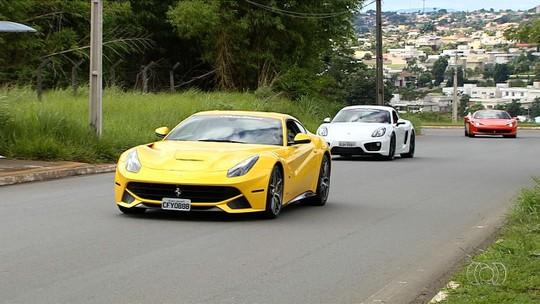 Donos de carros de luxo fazem passeio entre Goiânia e Bela Vista de Goiás