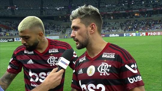 """Gabriel elogia Arrascaeta em vitória do Flamengo: """"Um dos poucos craques que temos no Brasil"""""""