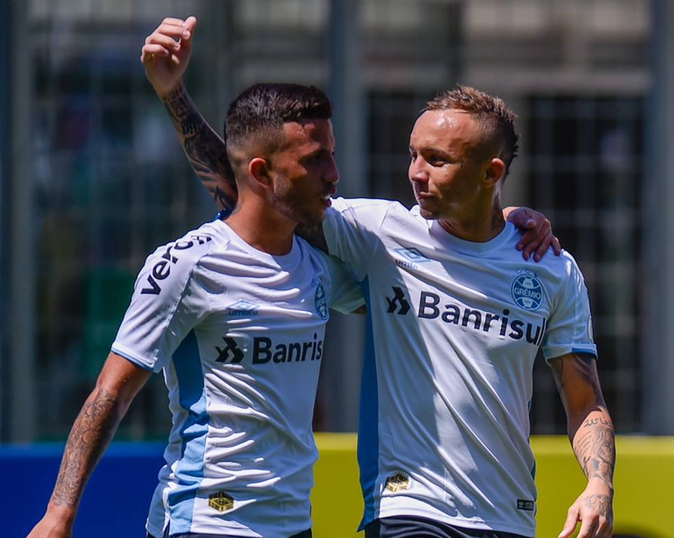 Matheus Henrique e Everton estão entre os mais cobiçados do Grêmio — Foto: Douglas Magno/BP Filmes
