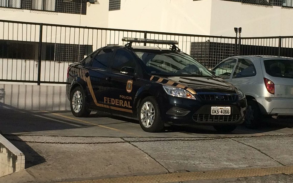 PF esteve em endereço na Avenida Cardeal da Silva (Foto: Andreia Silva/ TV Bahia)