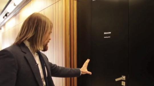 Campus Party 2016: russo controla portas e celulares com chip na mão