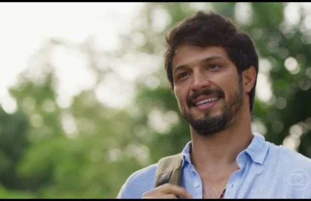 Na segunda-feira (21), Marcos (Romulo Estrela) ficará sabendo que Paloma (Grazi Massafera) e Ramon (David Junior) não estão mais juntos (Foto: TV Globo)