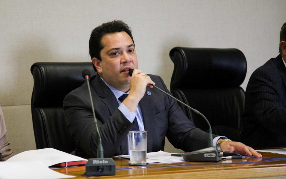 Deputado distrital José Gomes (PSB) em comissão na Câmara Legislativa do DF — Foto: Facebook/Divulgação