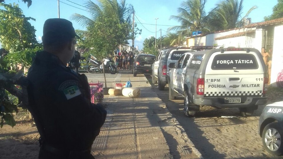 PMs estão em diligências desde o fim da tarde no Paço da Pátria (Foto: Divulgação/PM)