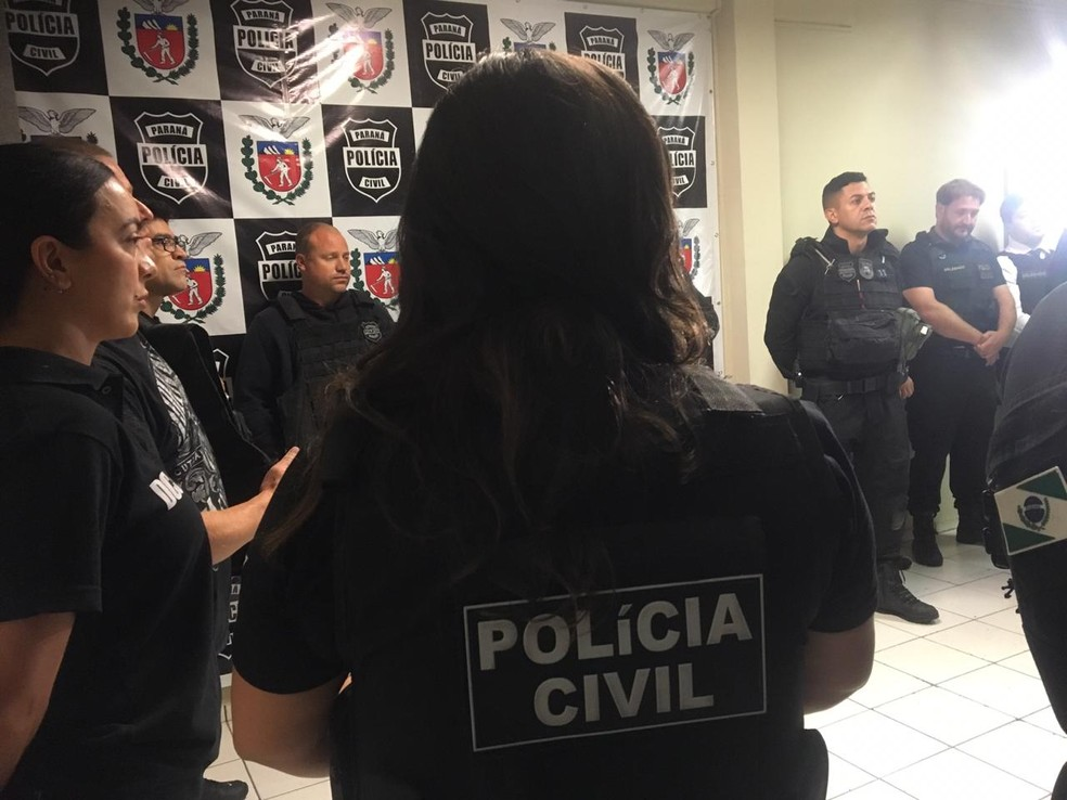 Policiais civis cumprem mandados em Curitiba e Região, entre outras cidades — Foto: Polícia Civil/Divulgação