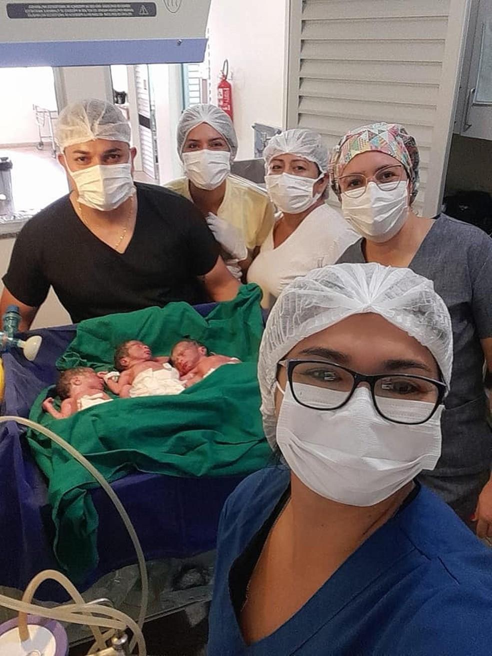 Alexandre Ribeiro contou que parto de trigêmeos surpreendeu não só a mãe, mas toda a equipe médica. — Foto: Arquivo Pessoal