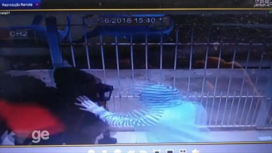 Câmera registra momento em que mãe de Taison é sequestrada
