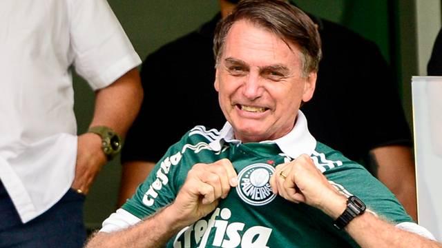 Bolsonaro assiste de camarote ao Palmeiras x Vitória