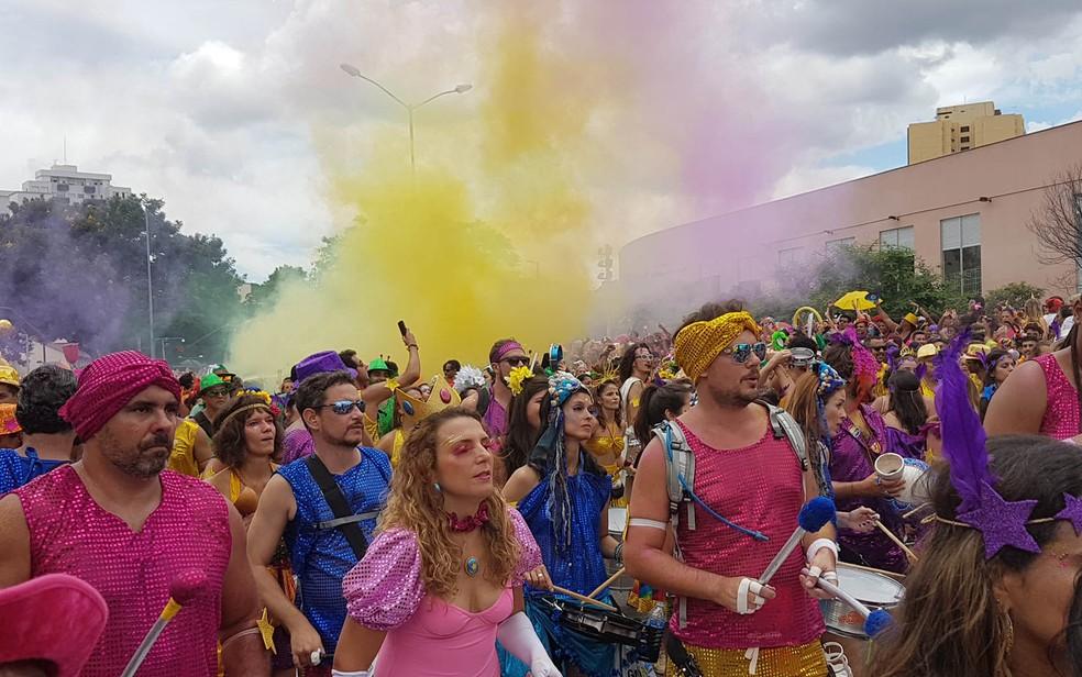 Então, Brilha! sempre dá boas-vindas ao carnaval de BH — Foto: Raquel Freitas/G1