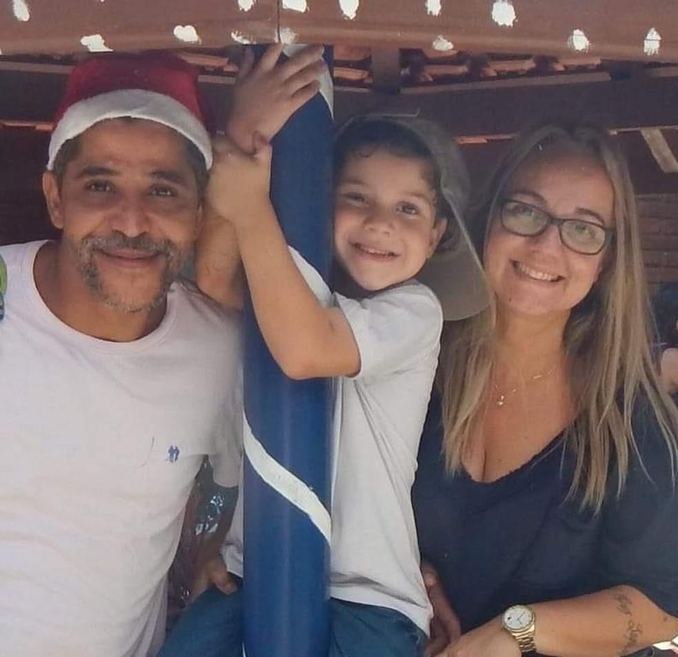 Eduardo com a família — Foto: Arquivo Pessoal