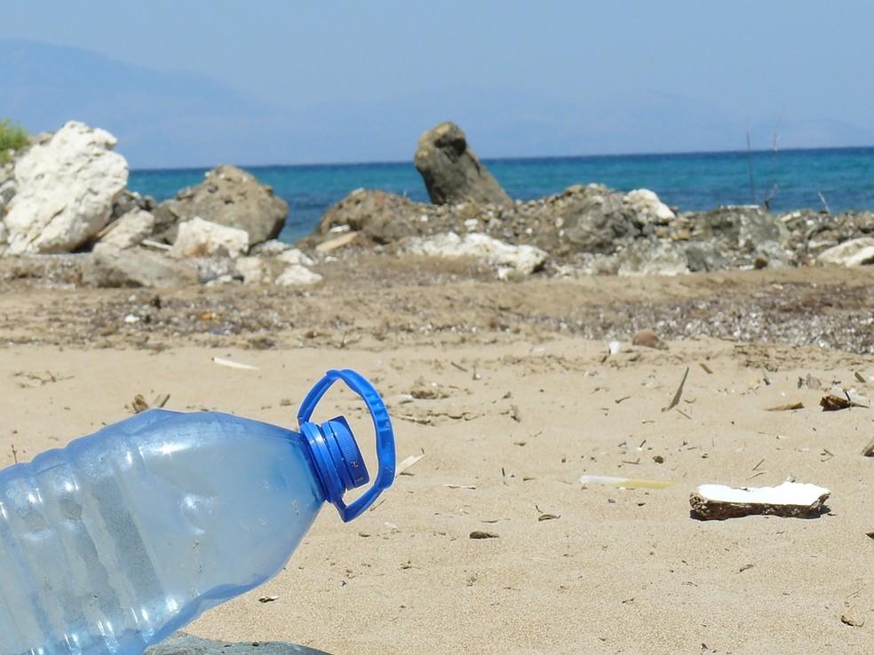Poluição plásticas nos oceanos é um dos maiores desafios ambientais da atualidade — Foto: Pixabay/Divulgação