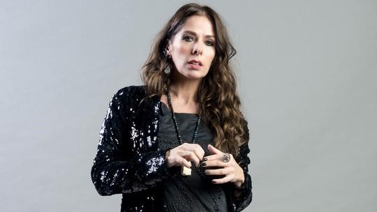 Adriane Galisteu fala sobre personagem em 'O Tempo Não Para': 'Faz de tudo pra não quebrar'